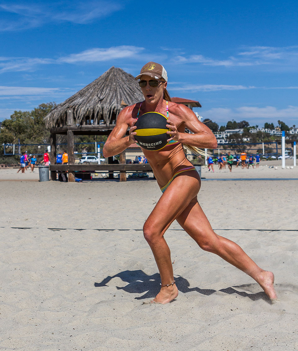 candice appleby workout beach