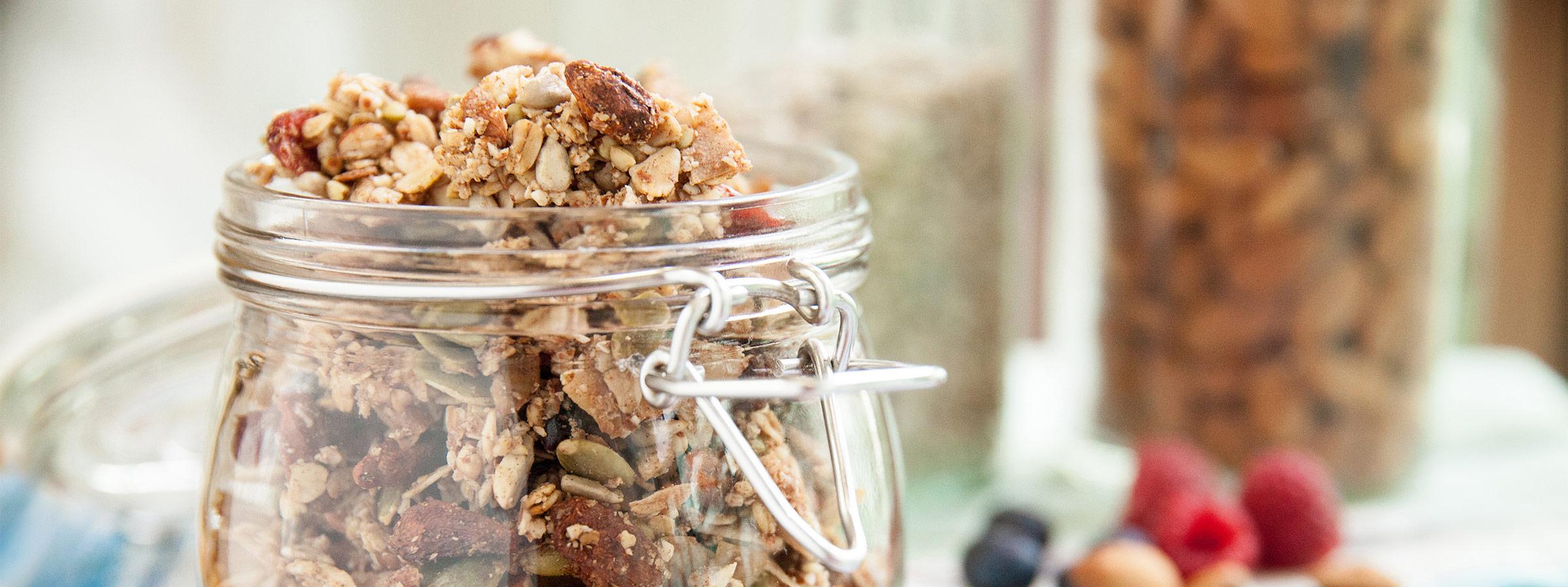 cranberry & nut granola main image