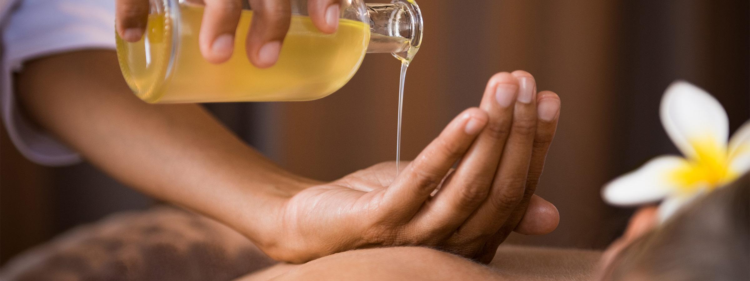 relaxing marula diy massage recipe hero image