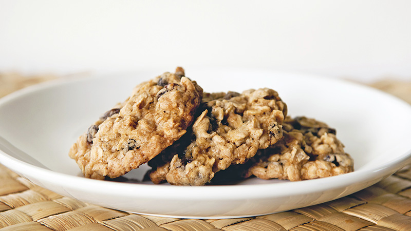 oatmeal goldenberry cookie featured