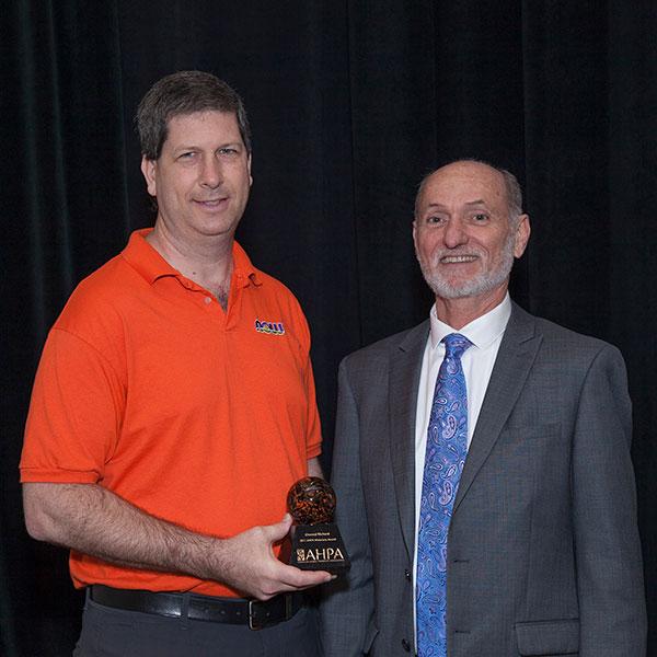 dan receives ahpa award thumb