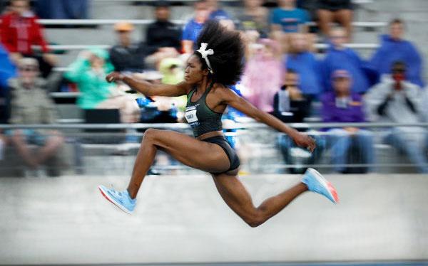 tori franklin runs and leaps